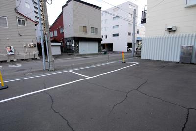 美園駐車場